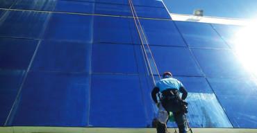 fachada em pele de vidro para ambientes modernos