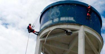 como economizar água em indústrias